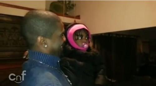 面白動画|お父さんの双子の兄弟を初めて見た赤ちゃん