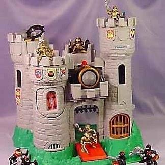 今や高額になった子どもの頃持っていたおもちゃ