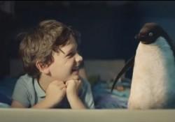 【感動動画】ペンギンと男の子の友情。英百貨店ジョンルイスのCMが心温まる。
