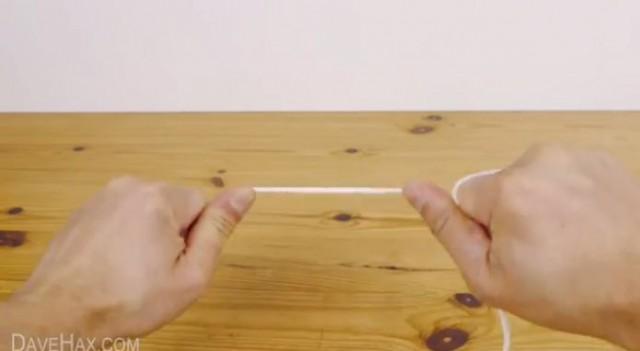 【ライフハック】緊急時に役立つ?道具なしでロープ(紐)を切断する方法