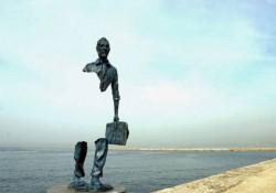 世界のユニークでクリエイティブな銅像