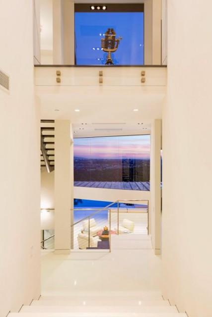 【画像】ビバリーヒルズの約23億円の豪邸が半端ない!