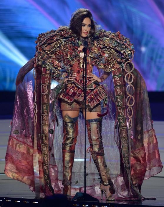 年々派手さがエスカレートしていくミス・ユニバースの民族衣装
