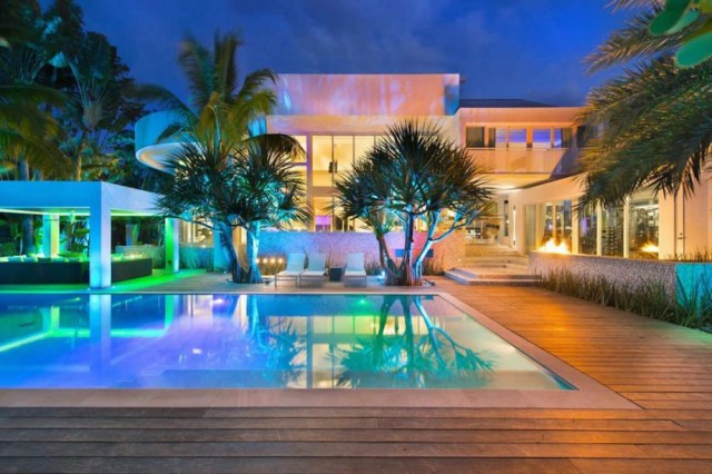 10億当たっても買えそうもない世界の豪邸
