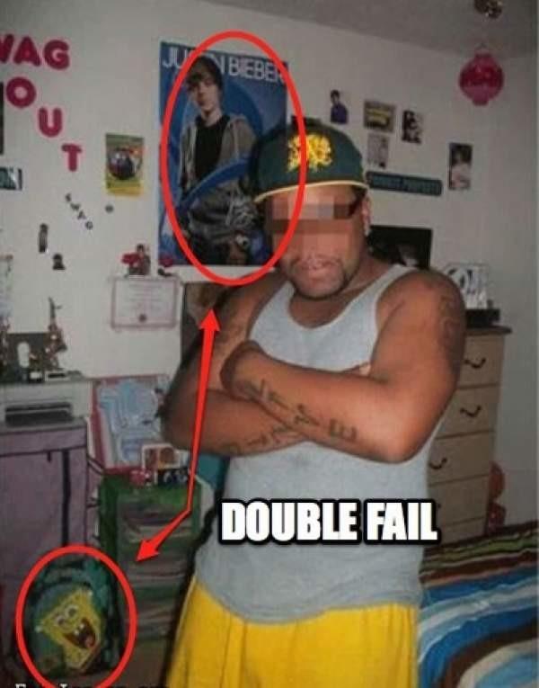 【面白画像】「オレは悪!」クールに決めたつもりのセルフィー。でも失敗してるから。