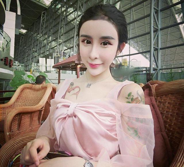 【中国】15歳の少女が元彼を取り戻すために全身整形