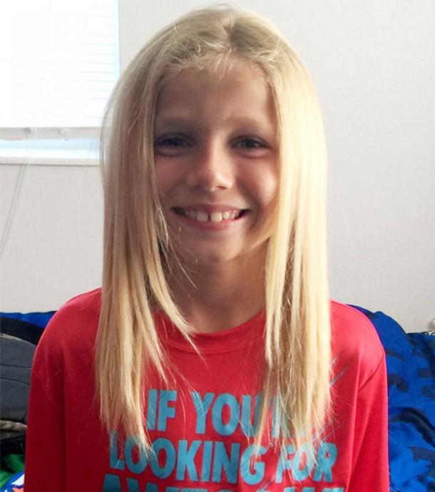 ガンで髪を失った子ども達に寄付するため2年間髪を伸ばした男の子