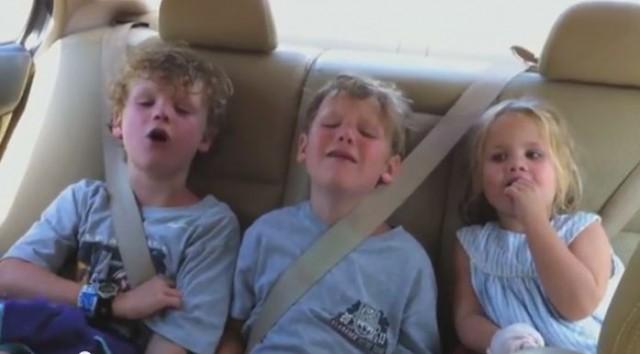 【面白動画】誕生日のビデオメッセージ。頑固な妹のせいでお兄ちゃん達はげんなり。