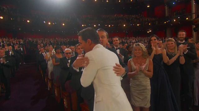 【画像】またアカデミー賞を逃した瞬間のレオ様の哀愁