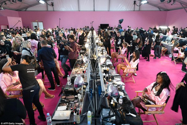 the_preparation_roomofvictoriasecret2016